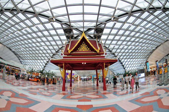 Suvarnabhumi_Airport,_Bangkok,_Thailand